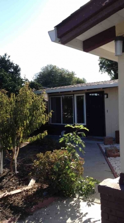 Sunnyvale, CA 1 level house, 3bed/2bath, AC, fenced yard, 2 car garage  for rent